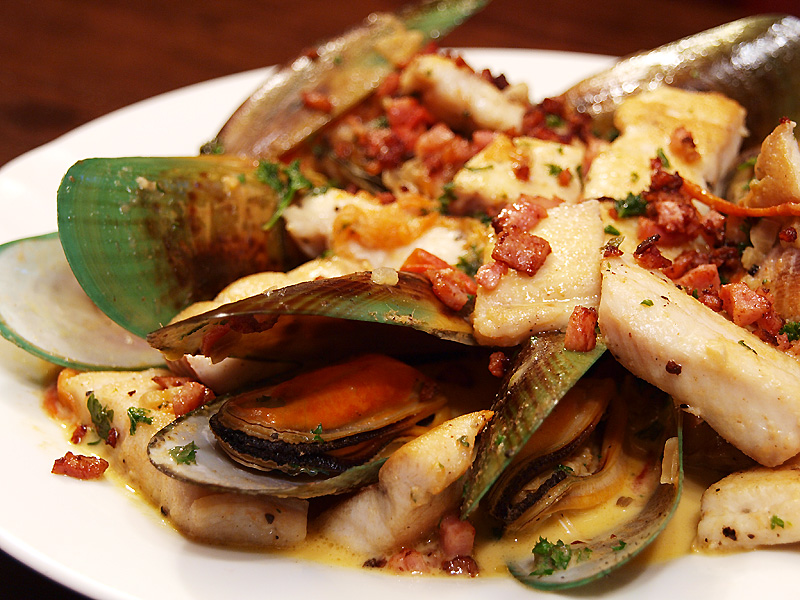 monkfish with mussels and bacon rashers ang sarap