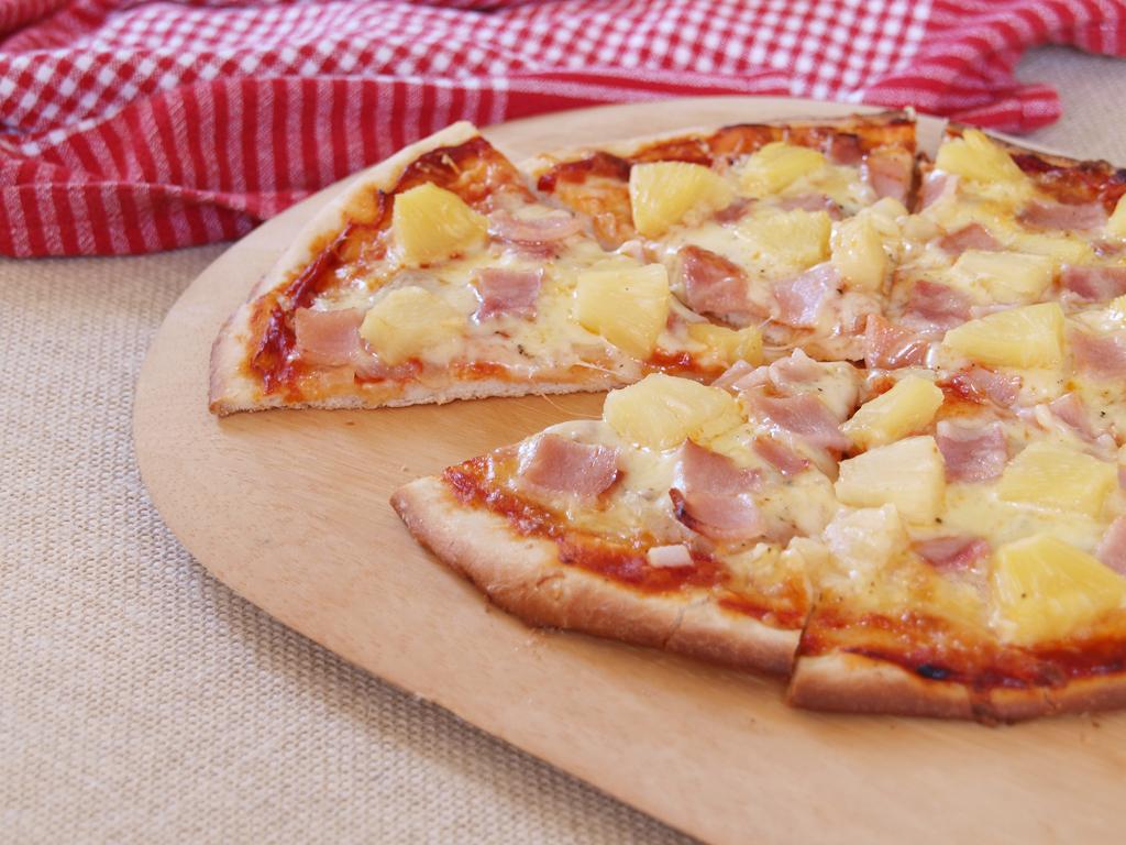 """Hawaiian Pizza - Ang Sarap (A Tagalog word for """"It's ..."""