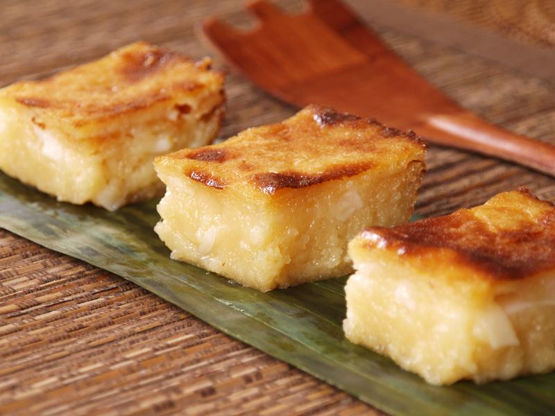 Kết quả hình ảnh cho Bánh Khoai Mì Nướng (Steamed Cassava Cake)