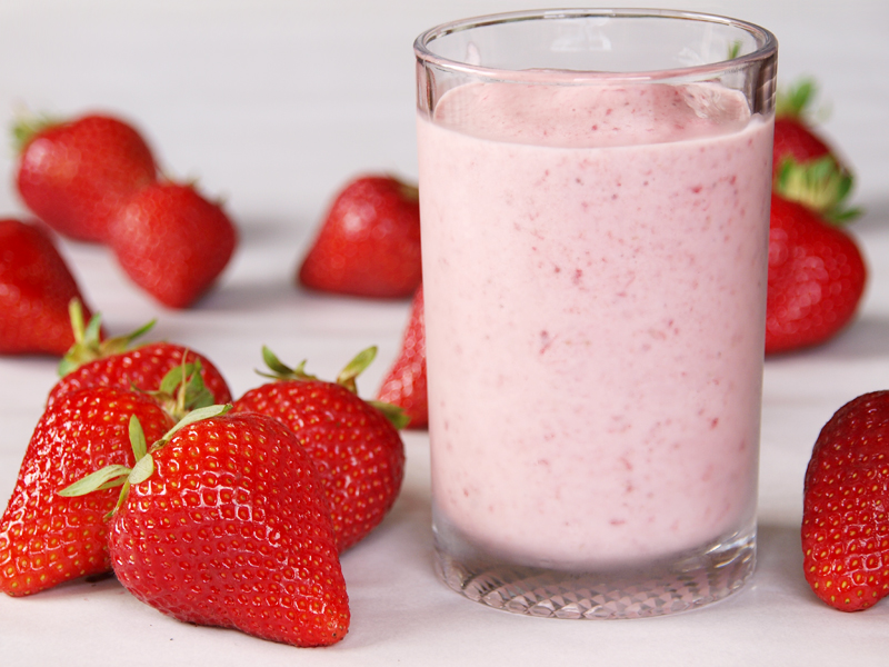 """Berry Banana Smoothie - Ang Sarap (A Tagalog word for """"It's Deliciou..."""
