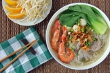 Pork and Seafood Noodle Soup (Hu Tieu Do Bien)