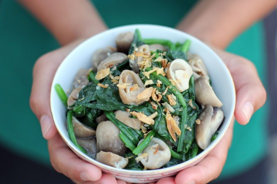 Spinach and Mushroom Stir Fry Wide